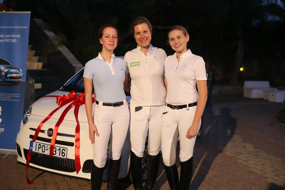 Οι αμαζόνες που έδωσαν έναν μοναδικό τόνο στην εκδήλωση, με το πρόγραμμα Freestyle Dressage που εκτέλεσαν: (από αριστερά Νίνα Ισαβέλλα Ραβίνη, Ελένη Μυράτ και Lavinia Μακροπούλου.