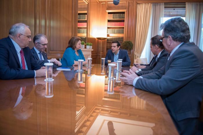 tsipras_banks1