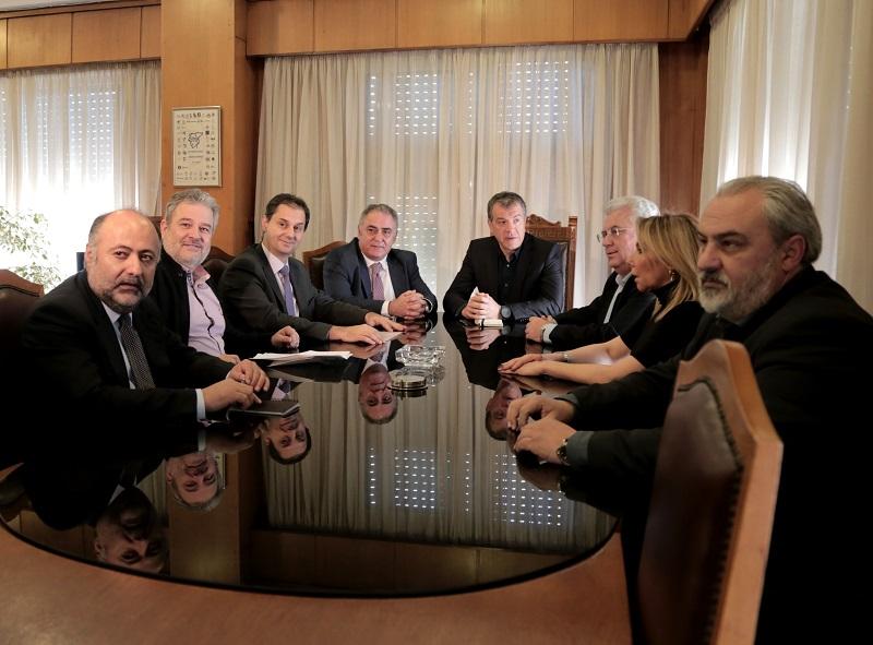 Θεοδωράκης & Επιμελητήρια