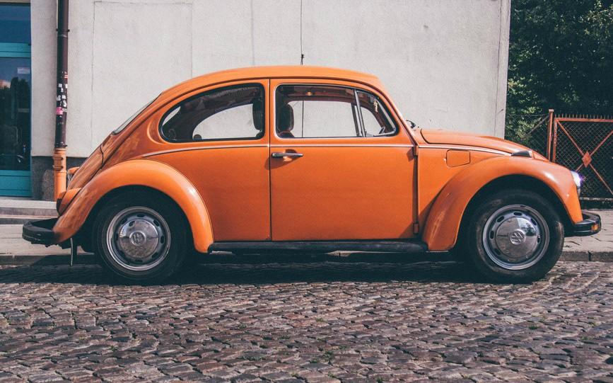 car-orange-retro-medium