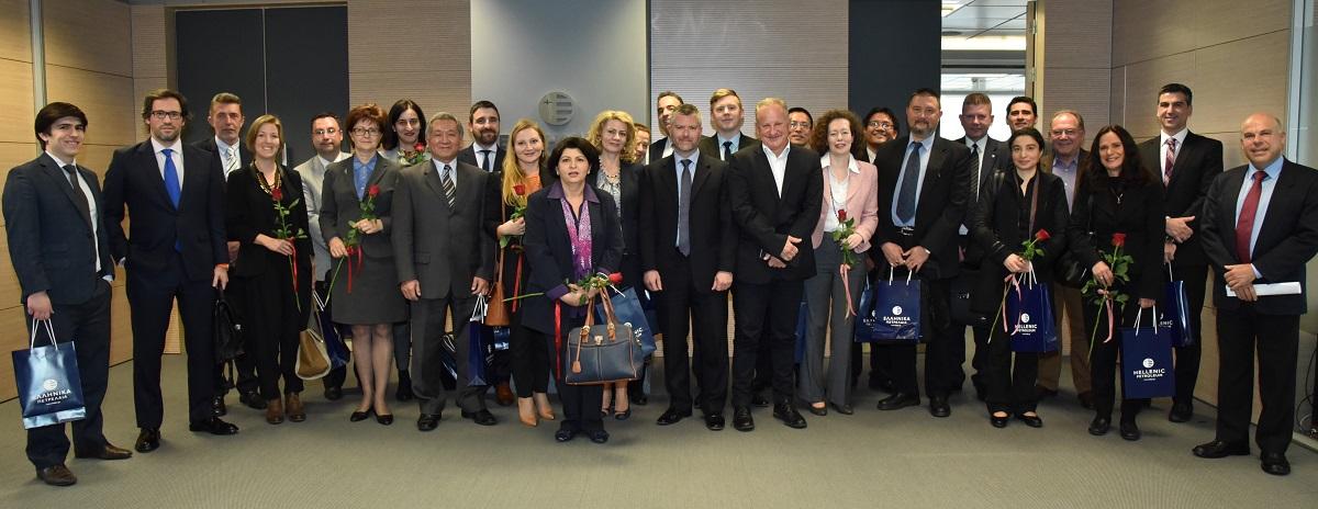 Τα μέλη του Club Οικονομικών και Εμπορικών Ακολούθων ξένων Κρατών στην Ελλάδα