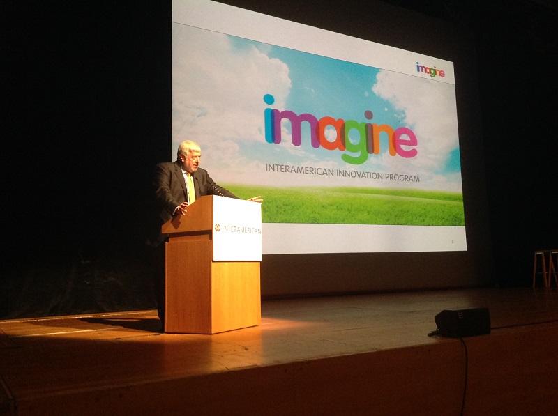 Ο Γ. Κώτσαλος, διευθύνων σύμβουλος INTERAMERICAN, στο βήμα κατά την παρουσίαση του «IMAGINE».