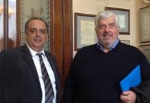 Ο Γιάννης Δερμιτζόγλου, διευθυντής του Ζωγράφειου, με τον Γιώργο Κώτσαλο, διευθύνοντα σύμβουλο της INTERAMERICAN.