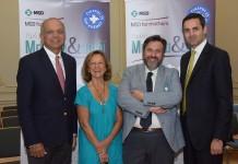 (Από αριστερά) Dr. Naveen Rao, Lead, MSD For Mothers, Hρώ Βαρσαμή, Αντιπρόεδρος/ Γιατροί του Κόσμου Ελλάδα, Νικήτας Κανάκης, Πρόεδρος/ Γιατροί του Κόσμου Ελλάδα & Haseeb Ahmad, Διευθύνων Σύμβουλος MSD Ελλάδας, Κύπρου και Μάλτας.