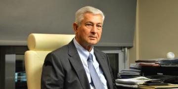 Ο κ. Γεώργιος Κολτσίδας στο γραφείο του στην Καρδίτσα