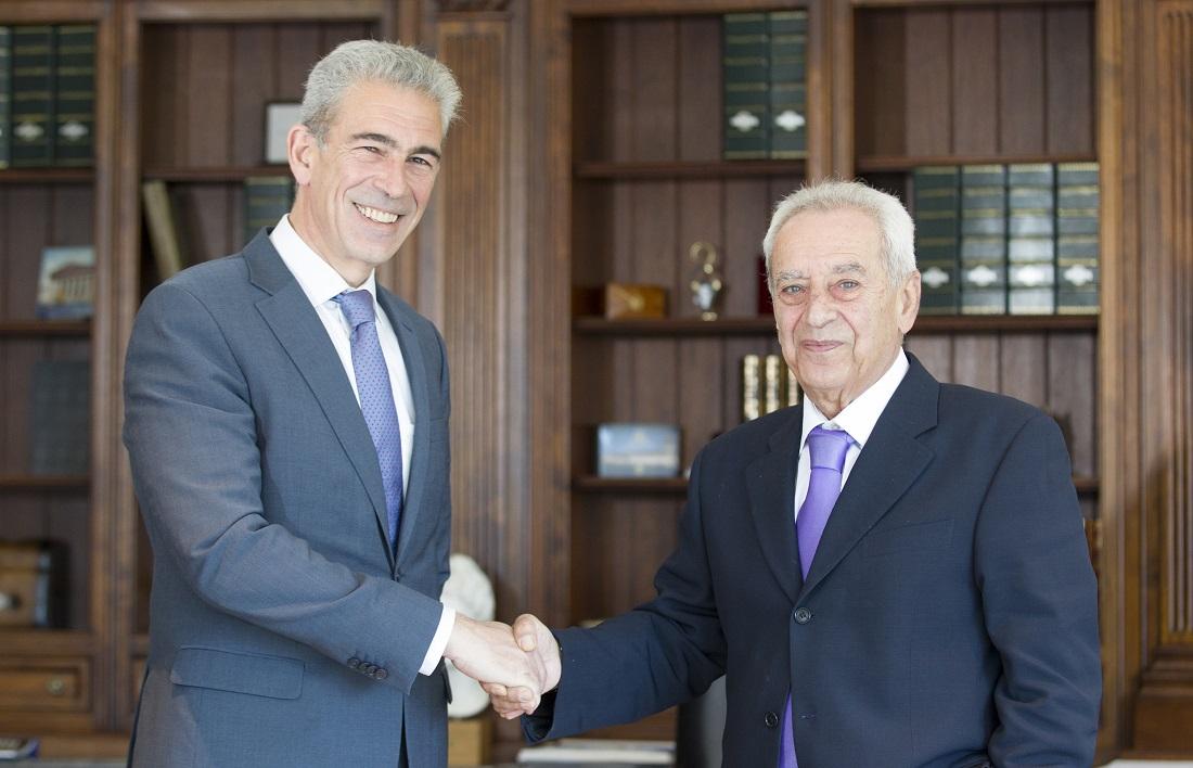 Ο κ. Αίσωπος με τον Πρόεδρο του Ομίλου της Υδρογείου, κ. Αναστάσιο Κασκαρέλη