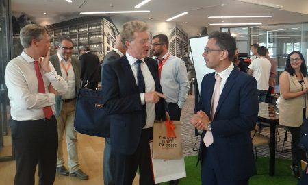 Από την παρουσίαση των ομάδων του Accelerator program στον Willem van Duin: στο στιγμιότυπο ο πρόεδρος Δ.Σ. της ACHMEA με τους Uco Vegter, επικεφαλής του Division International και πρόεδρο Δ.Σ. της INTERAMERICAN και Γιάννη Καντώρο, διευθύνοντα σύμβουλο της INTERAMERICAN.