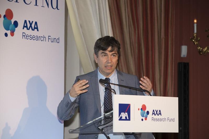 Δρ. Ιωάννης Ταλιανίδης (Διευθυντής Ινστιτούτου Μοριακής Βιολογίας και Βιοτεχνολογίας, κάτοχος ακαδημαϊκής έδρας ΑΧΑ)