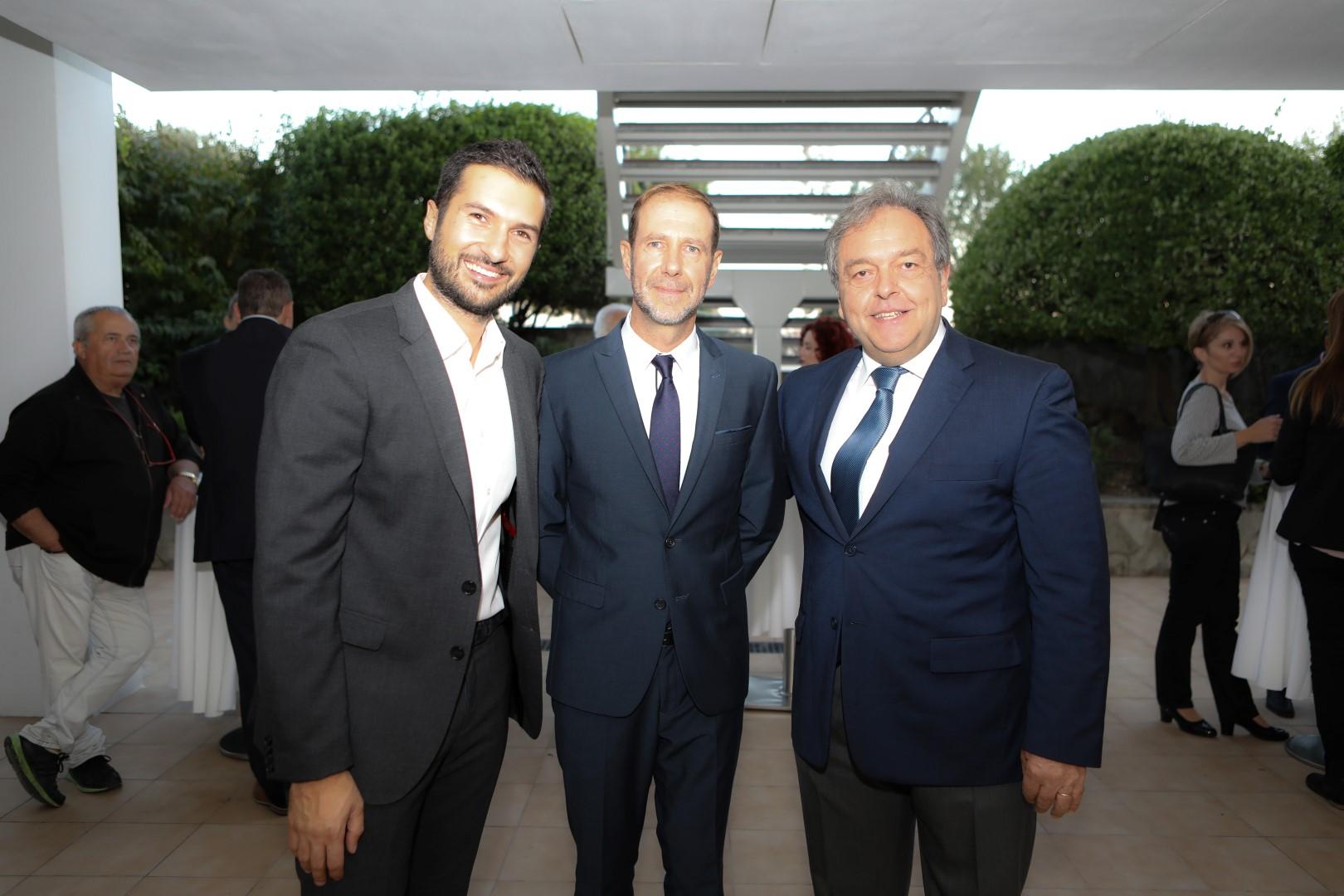 Γιώργος Χατζηευθυμίου, Υπεύθυνος Ανάπτυξης Βορείου Ελλάδος, Πάνος Νικολάου, Εμπορικός Διευθυντής με τον κ. Π. Καλογιαντσίδη, συνεργάτη της Υδρογείου Αφαλιστικής στη Δράμα.