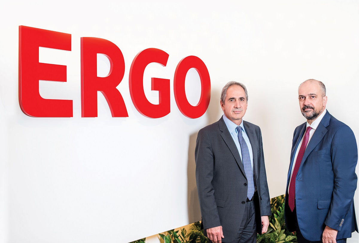 Ο κ. Στάθης Τσαούσης, μέλος του ΔΣ και Διευθυντής Τομέα Εμπορικών Λειτουργιών των εταιρειών του ομίλου ERGO στην Ελλάδα & ο κ. Ιορδάνης Χατζηιωσήφ, Εντεταλμένος Σύμβουλος Διοίκησης της ΑΤΕ Ασφαλιστικής