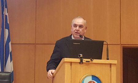 Ο Γιώργος Βελιώτης, γενικός διευθυντής ασφαλίσεων Ζωής και Υγείας INTERAMERICAN, στο βήμα του συνεδρίου για τον τουρισμό υγείας στην Κρήτη