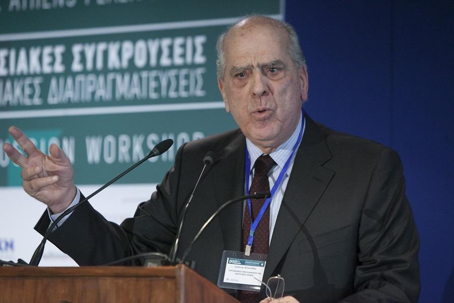 Ο Οµότιµος καθηγητής Εργατικού ∆ικαίου & επίτιµος πρόεδρος, ΟΜΕ∆, κ. Ιωάννης Κουκιάδης