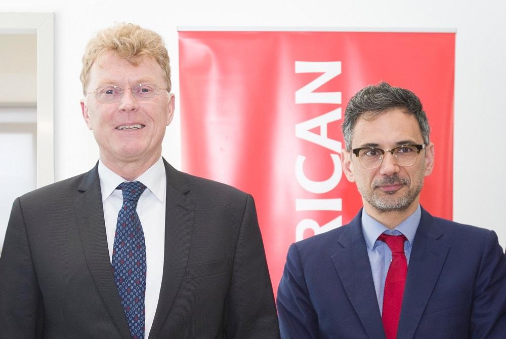 Ο Willem van Duin, πρόεδρος της ACHMEA, με τον Γιάννη Καντώρο, διευθύνοντα σύμβουλο της INTERAMERICAN
