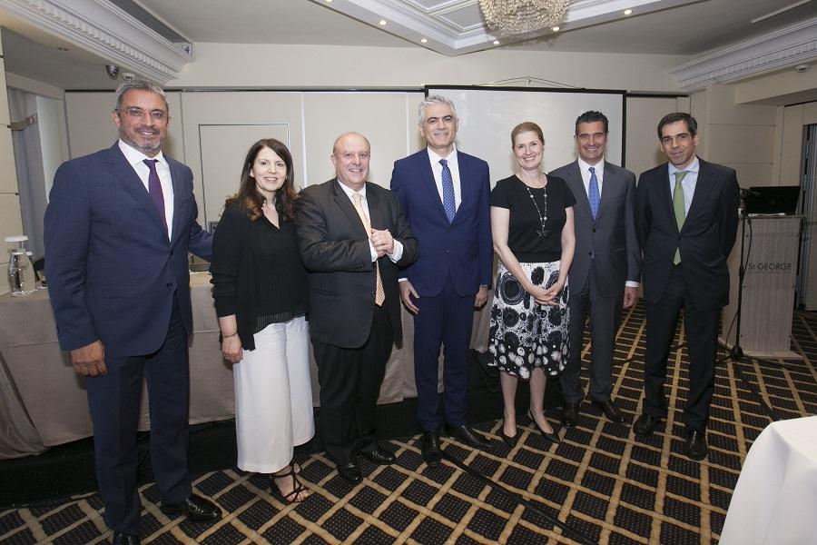 (Από αριστερά) Κ. Μαρκουΐζος, Μ. Γκολφινοπούλου, Δ. Παπανικητόπουλος, Γ. Γιαννακόπουλος, Δρ. Καρδάση, Ι. Βασιλάτος, Ε. Μοάτσος