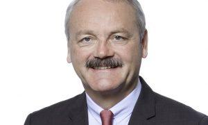 Dr Christian Hinsch