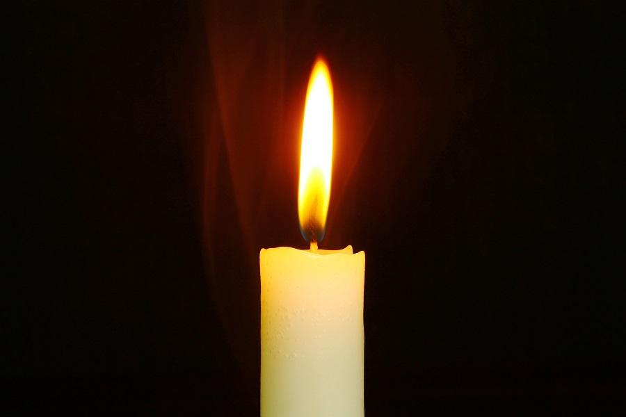 bright-burn-burnt,candle
