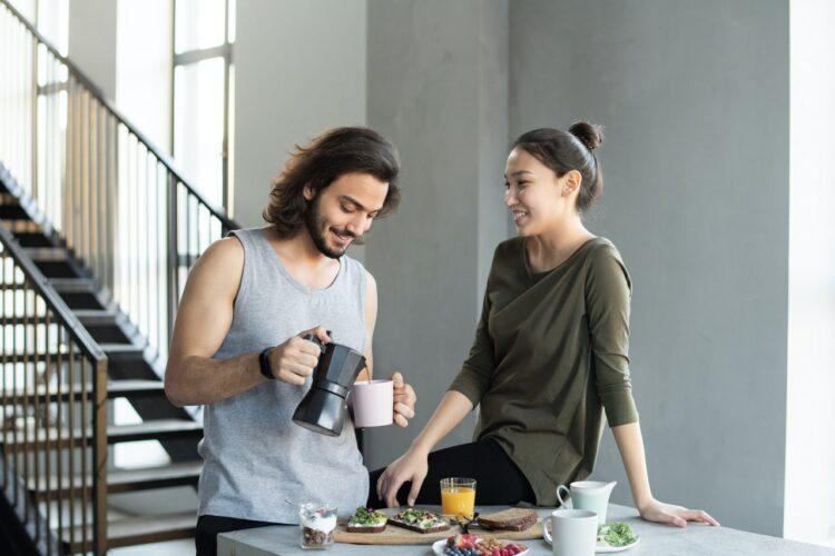 couple-having-breakfast-insurancedaily
